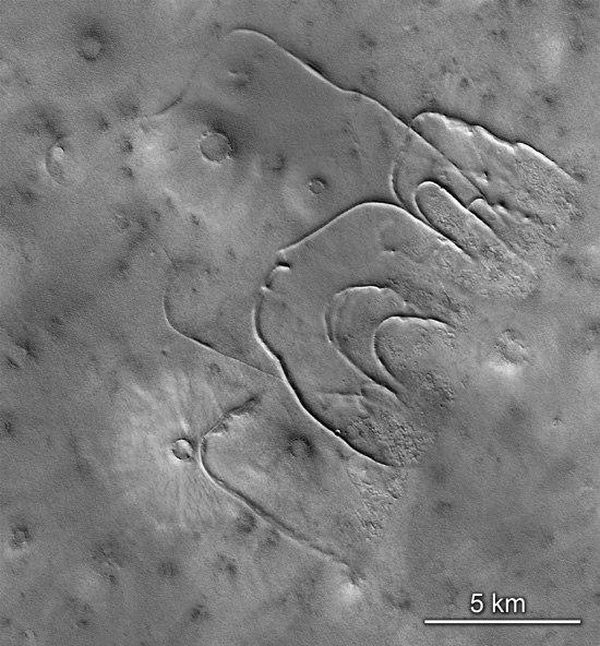 Christmas on Mars (13)