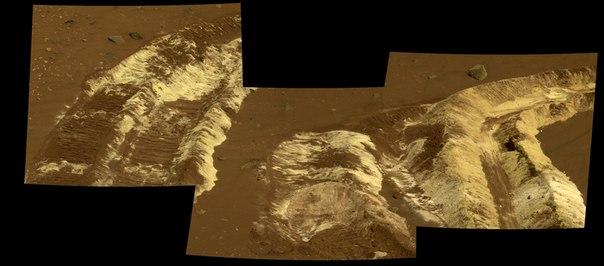 Christmas on Mars (5)