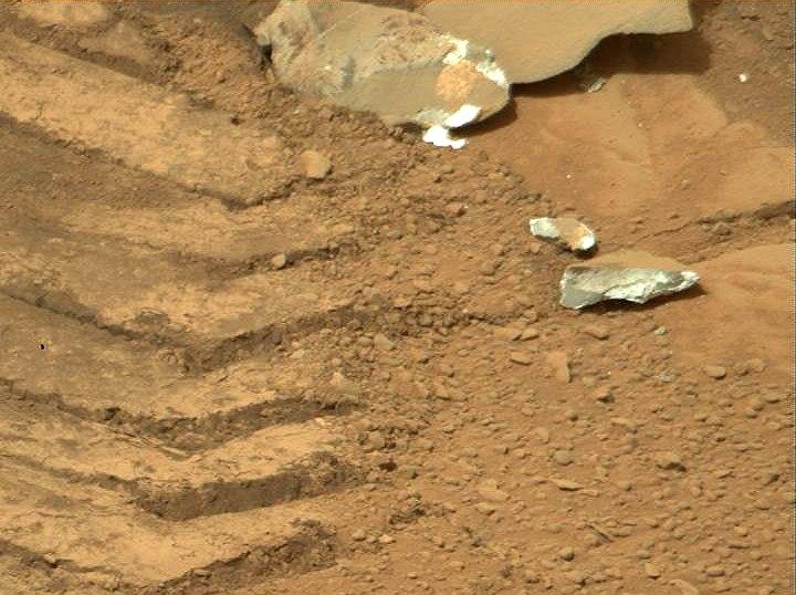 Christmas on Mars (7)