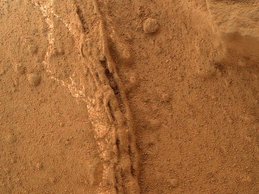 Curiosity first drilling (10)