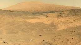 curiosity-at-foot-of-sharp-mountain (13)