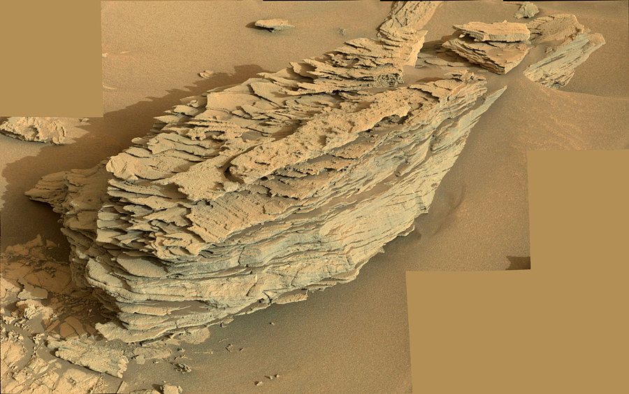 curiosity-at-foot-of-sharp-mountain (6)