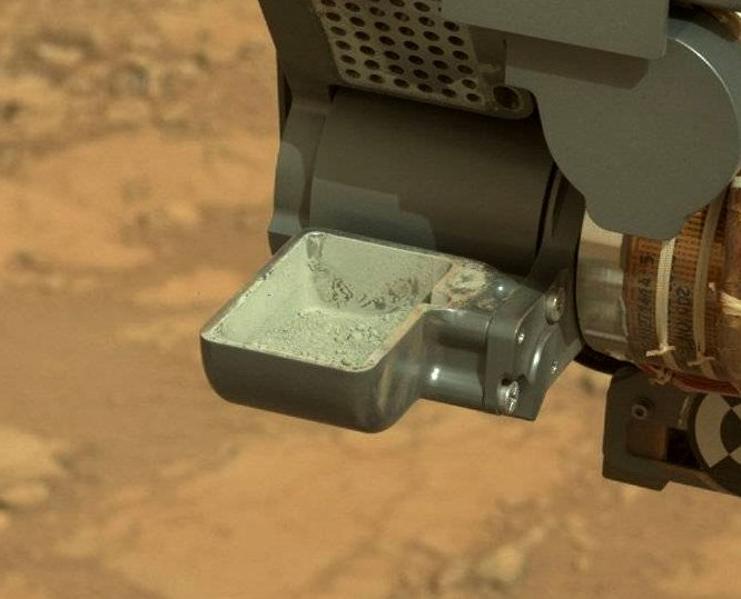curiosity-is-1-year-old (1)