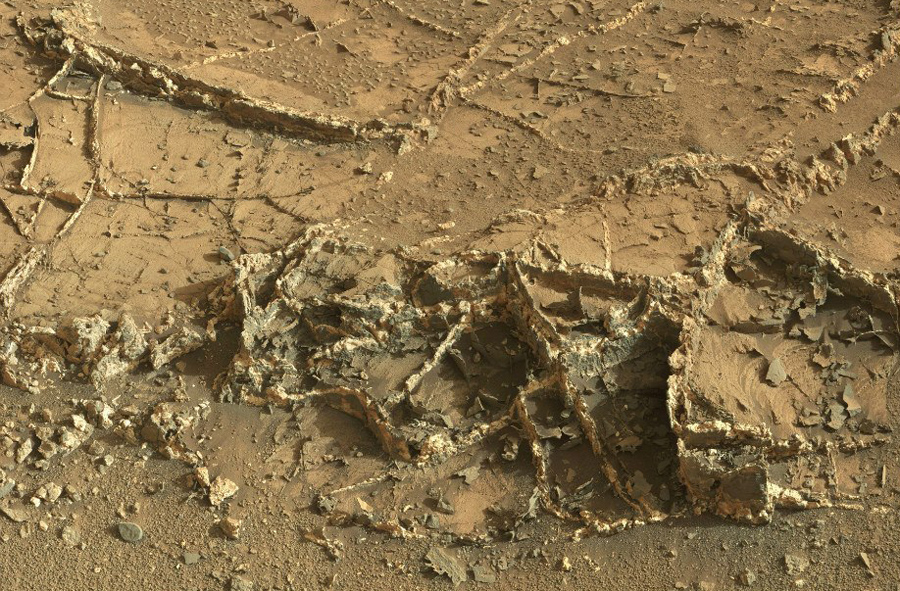 curiosity-on-mars-gypsum-and-nitrates (3)