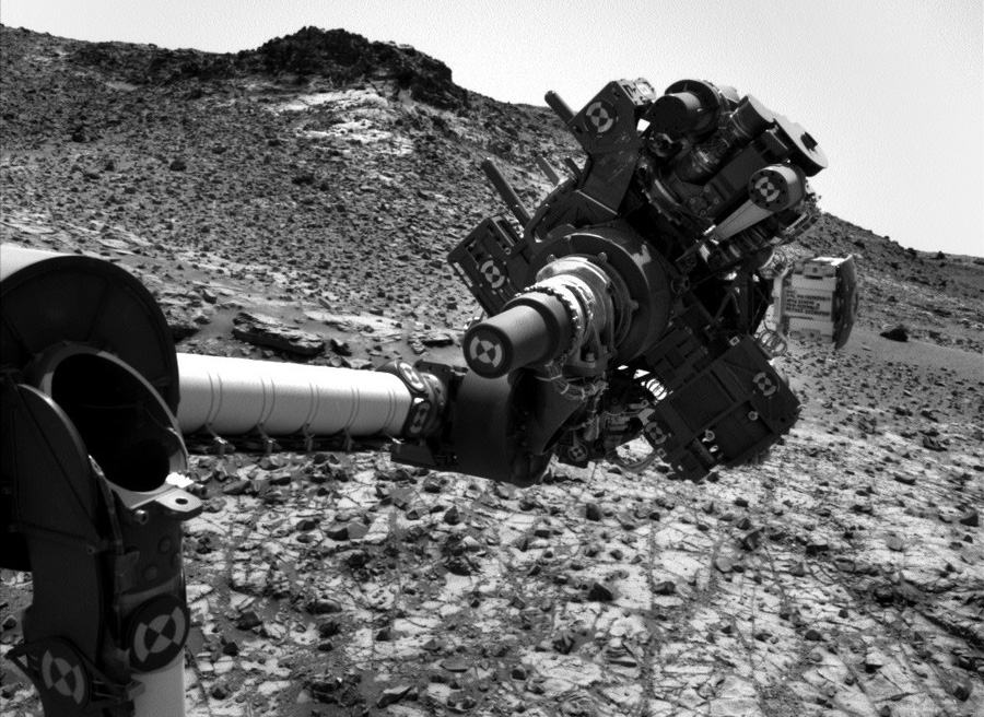 curiosity-on-mars-gypsum-and-nitrates (4)