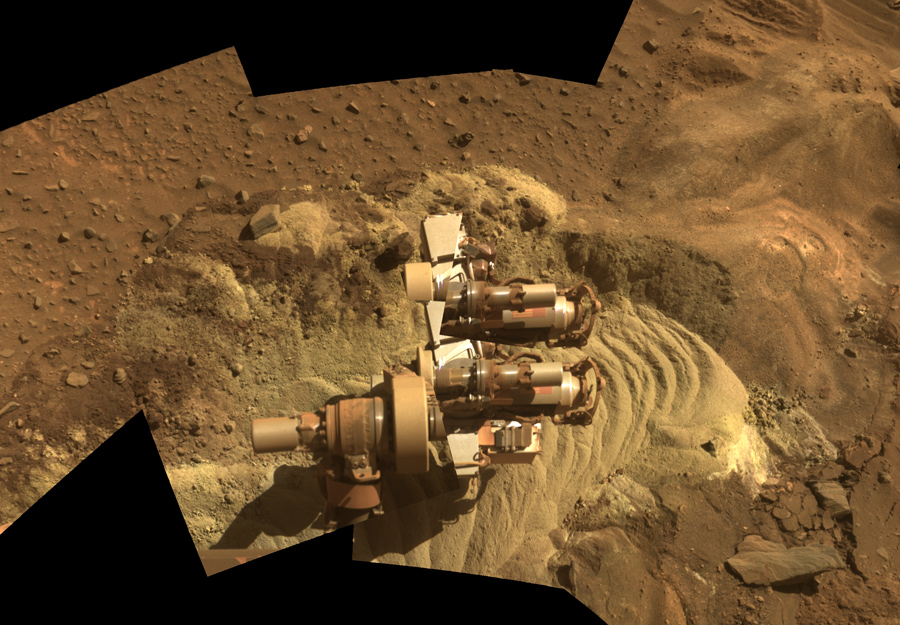 Spirit застрял на Марсе