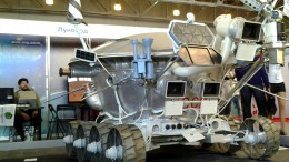 soviet-space-robots-at-igromir (2)