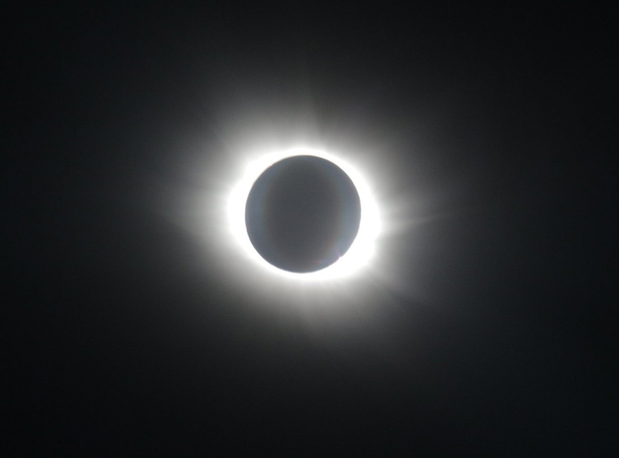 sun-eclipse-from-air-and-space (16)