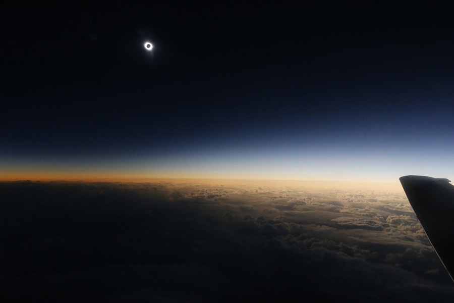sun-eclipse-from-air-and-space (32)