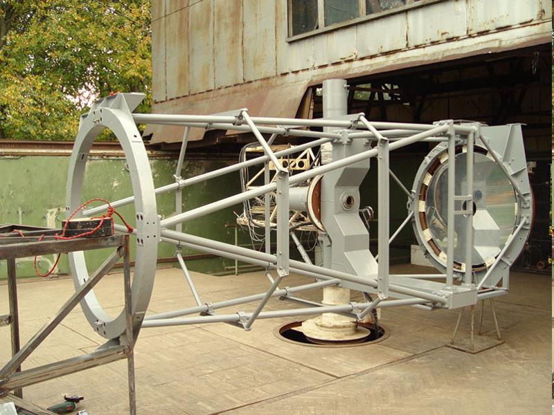 телескоп Сатурн в процессе замены держателя фокусера