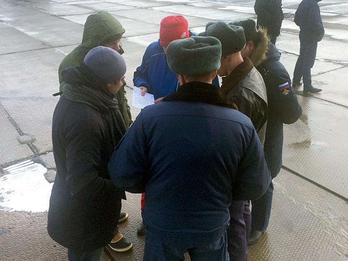 """сбор экипажа вертолета экспедиции к месту посадки """"Восход-2"""""""