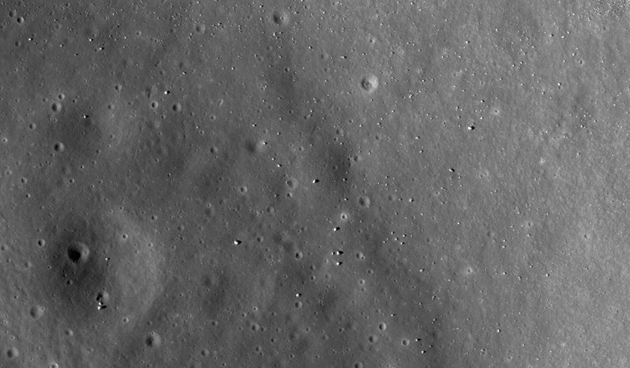 снимок лунного кратера