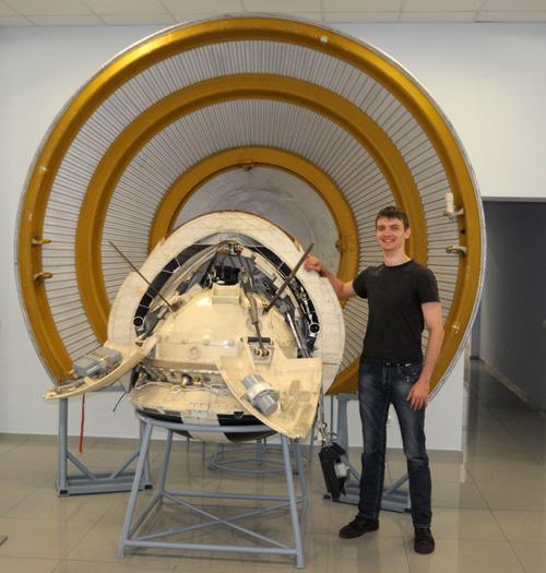 Виталий Егоров и Марс-3 в музее НПО Лавочкина