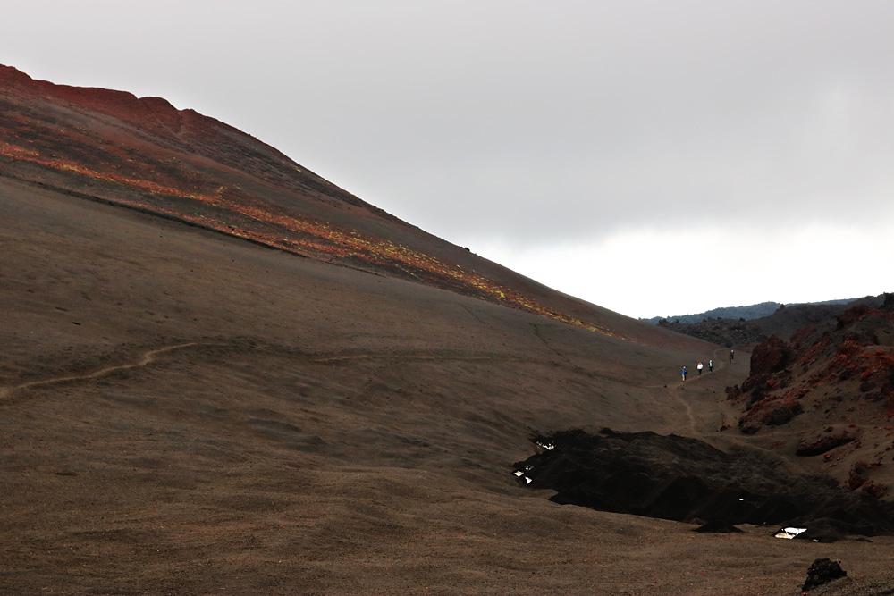 дорога по вулканическому пеплу