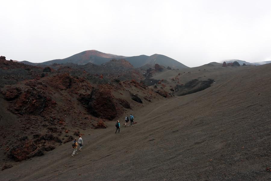 подъем к кратеру Толбачика извержения 2012 года