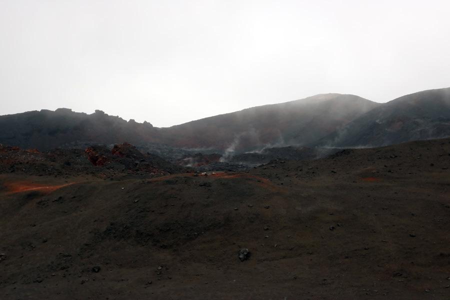 подъем к вершине вулкана Плоский Толбачик, Камчатка