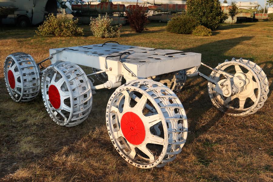 шасси советского планетохода в музее техники Сахарова