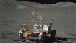 лунный автомобиль на Луне