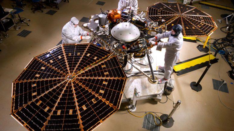 посадочный аппарат на Марс InSight